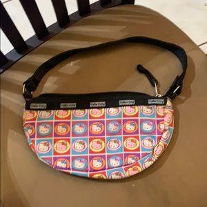 Color hello kitty purse